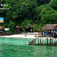 蓝天白云在芭雅岛(Pulau Payar)