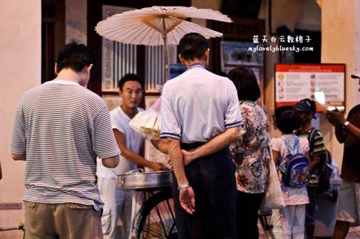 叮叮糖在槟城庙会被受关注的摊位