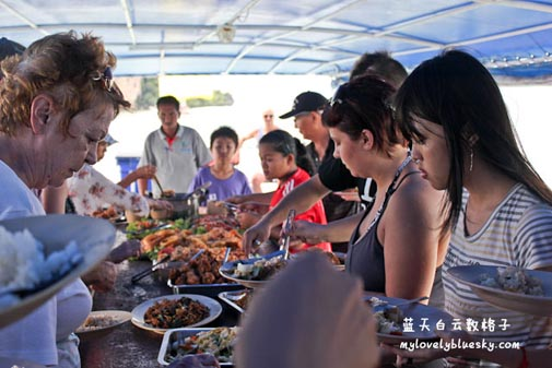 Phang Nga Sea Canoe by big boat: Buffet Lunch