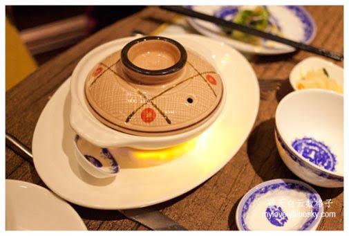 印尼Jakarta美食:Taste Paradise-烧黑豚砂煲饭
