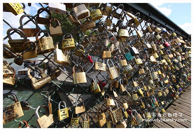 法国巴黎旅游:巴黎艺术桥(Passerelle des Arts)