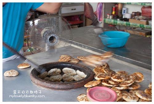 新鲜出炉的曾家福州光饼