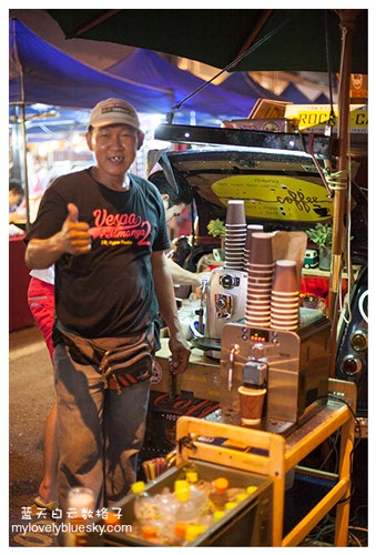 马六甲美食:龙港边Thirteen & Half Street夜市-Rocky Cafe