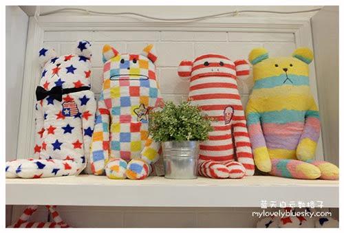 新加坡购物:CRAFTHOLIC 彩色棉花糖熊熊中抱枕