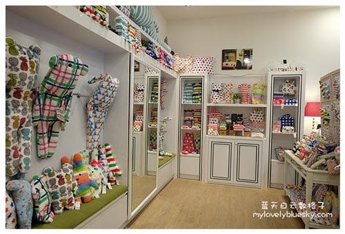 新加坡购物:CRAFTHOLIC 彩色棉花糖熊熊中抱枕新加坡购物:CRAFTHOLIC 彩色棉花糖熊熊中抱枕
