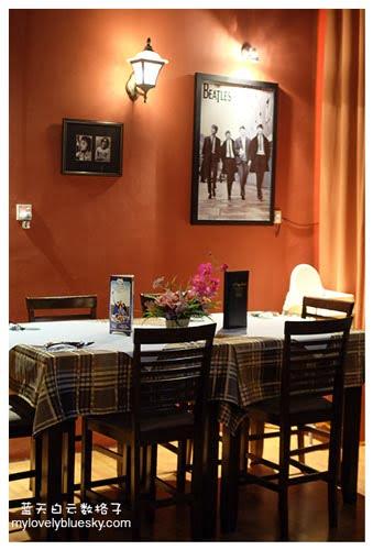 Abbey Road Bistro Restaurant