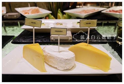 Hotel Indonesia Kempinski : Signatures Restaurant's Breakfast Buffet