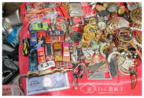 结霜桥旧货市场 Sungei Road Flea Market